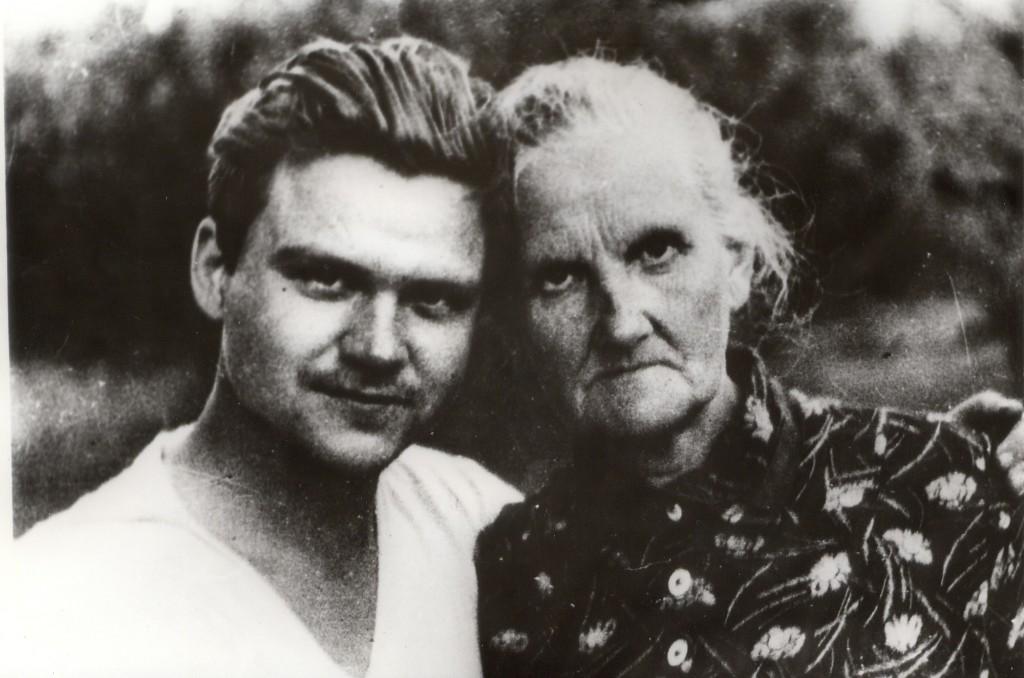 Тихон Хрееников с мамой